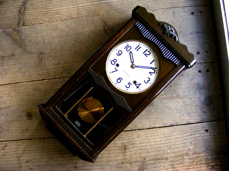 昭和初期頃のアンティーク柱時計の精工舎・振り子時計(電池式・クォーツ改造)が仕上がりました。