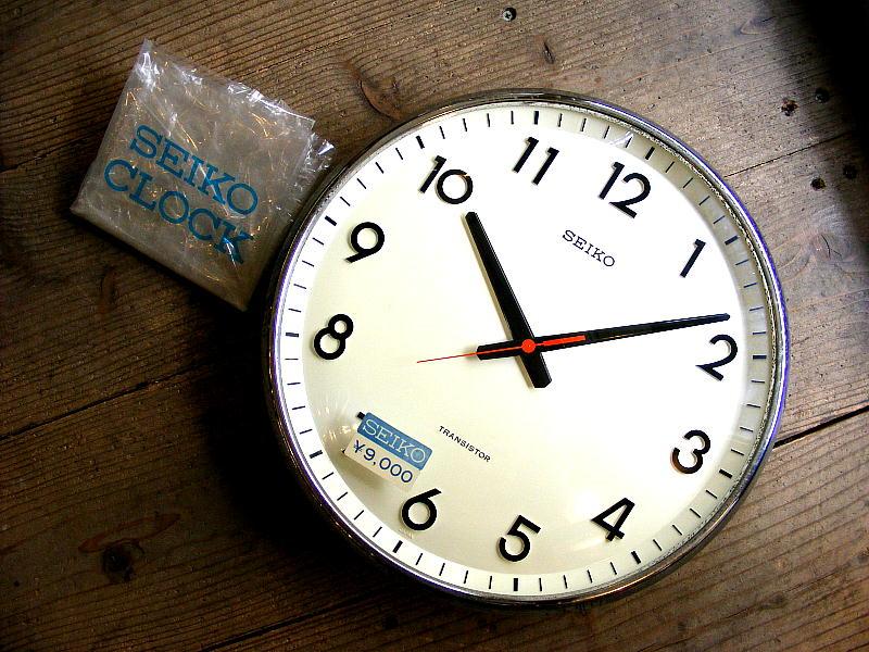 1970年代のアンティーククロックのセイコー・トランジスター・クロック・TTX-609・学校用・掛け時計・初期型・デッドストック(電池式・スイープ・クォーツ改造)が仕上がりました。