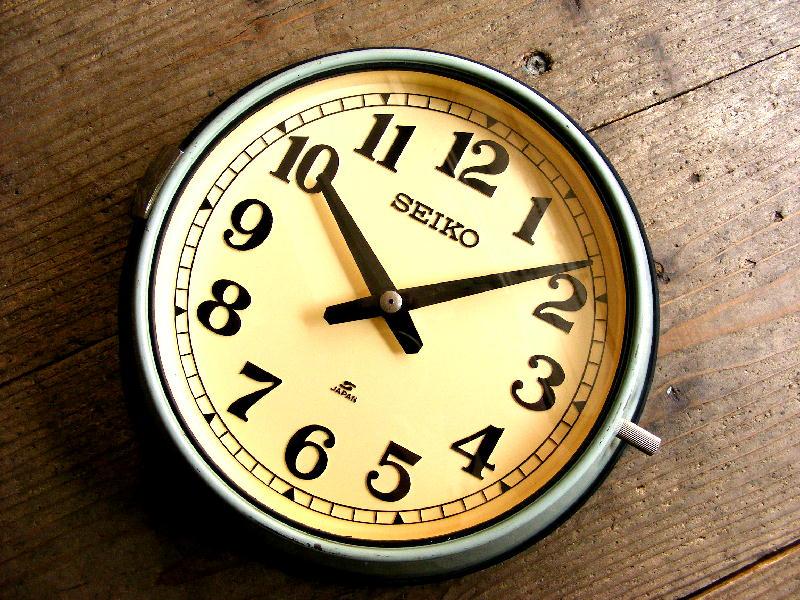 1980年代もアンティーククロックのセイコー・船舶用・電気子時計・MC-120・緑(電池式・クォーツ改造)が仕上がりました。