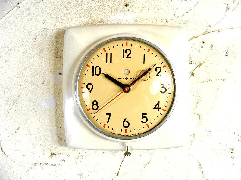 1950年代・アメリカ・ゼネラル・エレクトリック・ウォールクロック・2H20・白(電池式・スイープ・クォーツ改造)                                    [17B3]
