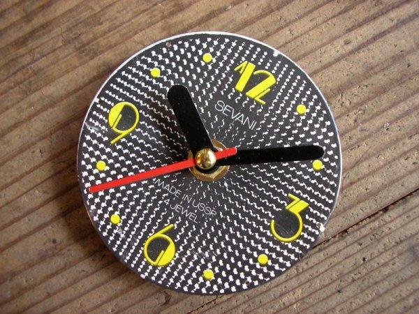 画像3: 1960年代頃のロシアのSEVANI・アンティーク・クロックの文字盤の掛時計(丸型・黒色・赤秒針)