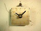 1960年代頃のスイスのANGELUS・アンティーク・クロックの文字盤の掛時計(角型・白)