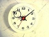 1960年代頃・ロシア・Cebaru・アンティーク・クロックの文字盤の掛時計(丸型・白色・オール数字・赤秒針)