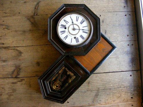 1: 大正頃・尾張時計・八角型・変形・振り子時計(電池式・クォーツ改造)