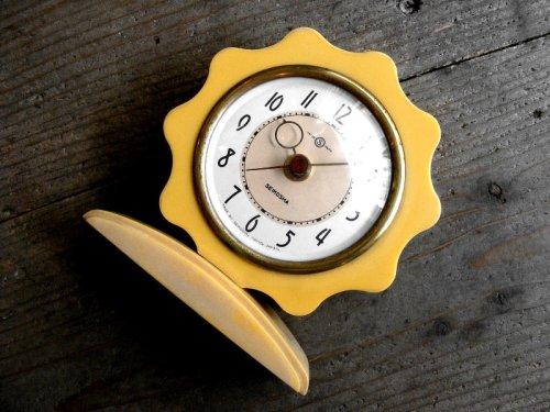 1: 昭和30年代・精工舎・置時計・フラワー・手巻式・ベークライト・白(電池式・スイープ・クォーツ改造)