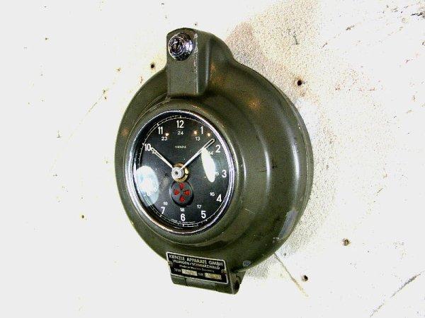 画像3: 1950年代・西ドイツ・KIENZLE APPARATE GMBH・キンツレー・インダストリアル・タコグラフ・クロック(電池式・クォーツ改造)