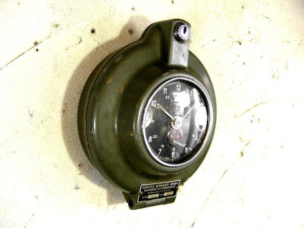 画像4: 1950年代・西ドイツ・KIENZLE APPARATE GMBH・キンツレー・インダストリアル・タコグラフ・クロック(電池式・クォーツ改造)