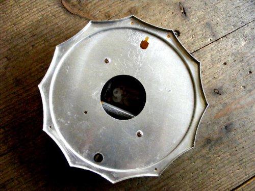 2: 1950年代・アメリカ・ゼネラル・エレクトリック・ウォールクロック・2F02・ボトルキャップ・12角・ホワイト(電池式・スイープ・クォーツ改造)