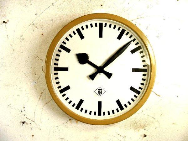 画像1: 1950年代・ドイツ・TN(Telefonbau & Normalzeit)・テレフォンバウ・ウント・ノーマルツァイト・インダストリアル・クロック・アイボリー・鉄道時計(電池式・クォーツ改造)