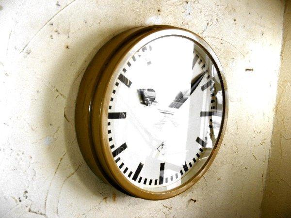 画像3: 1950年代・ドイツ・TN(Telefonbau & Normalzeit)・テレフォンバウ・ウント・ノーマルツァイト・インダストリアル・クロック・アイボリー・鉄道時計(電池式・クォーツ改造)