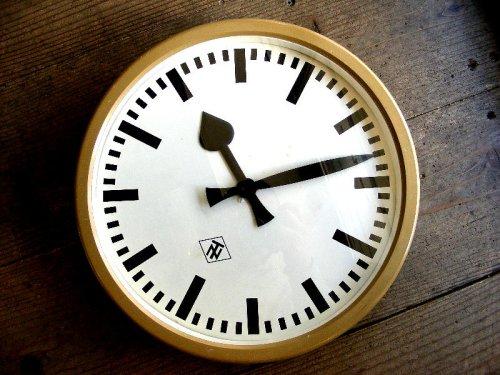 1: 1950年代・ドイツ・TN(Telefonbau & Normalzeit)・テレフォンバウ・ウント・ノーマルツァイト・インダストリアル・クロック・アイボリー・鉄道時計(電池式・クォーツ改造)