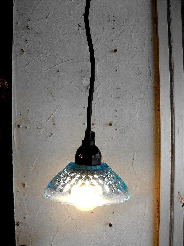 画像1: 昭和40年代頃・ブルー・プレスガラス・器・ランプシェード(LEDフィラメント電球)