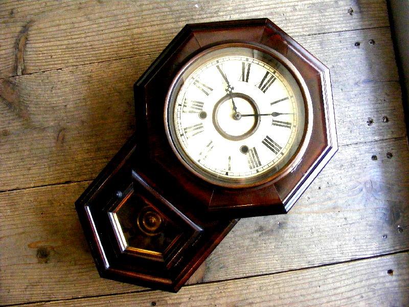 1920年代頃アメリカの古時計のE.N.WELCH・ウェルチ・八角型・振り子時計(電池式・クォーツ改造)が仕上がりました。