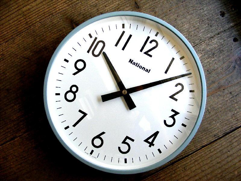 1980年代のアンティーククロックのナショナル・電気子時計・TC1104・学校用時計(電池式・クォーツ改造)が仕上がりました。
