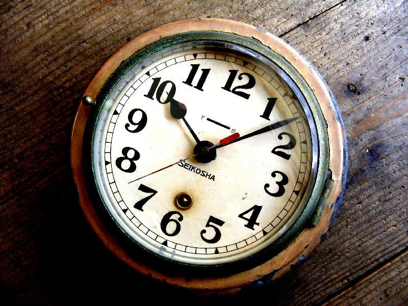 昭和初期頃のアンティーククロックの精工舎・船舶時計・秒針付き・手巻式・白(電池式・スイープ・クォーツ改造)が仕上がりました。