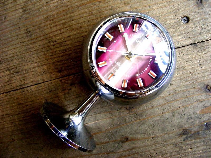 1970年代のアンティークデスククロックのシチズン・ミューズ・目覚時計・手巻式・51129・球型・足付き・紫・グラデーション文字盤(電池式・スイープ・クォーツ改造)が仕上がりました。