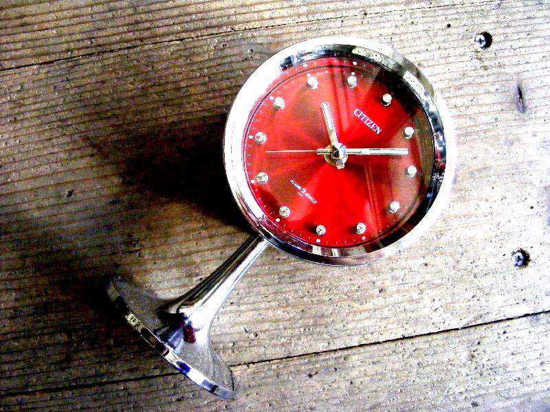 1970年代・シチズン・ミューズ・目覚時計・手巻式・51111・足付き・Gマーク・グッドデザイン賞・赤・グラデーション文字盤(電池式・スイープ・クォーツ改造)が仕上がりました。