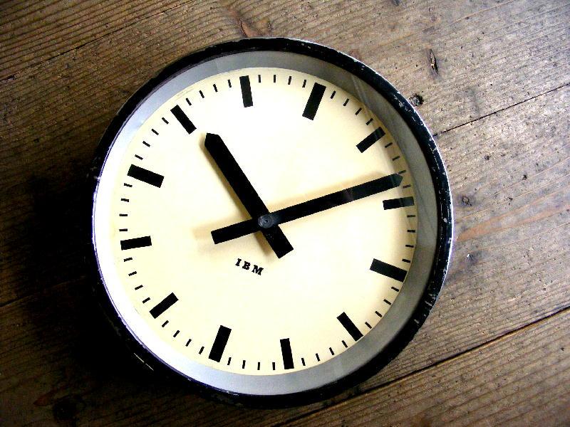 1950年代・ドイツ・IBM・インダストリアル・クロック・鉄道時計(電池式・クォーツ改造)が仕上がりました。