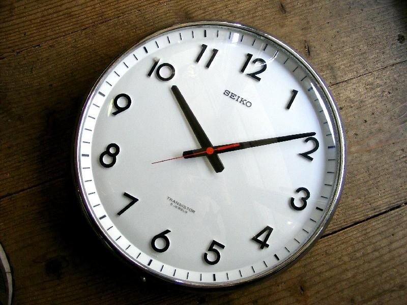 1970年代・セイコー・トランジスター・クロック・TTX-609・学校用・掛け時計・初期型(電池式・スイープ・クォーツ改造)が仕上がりました。